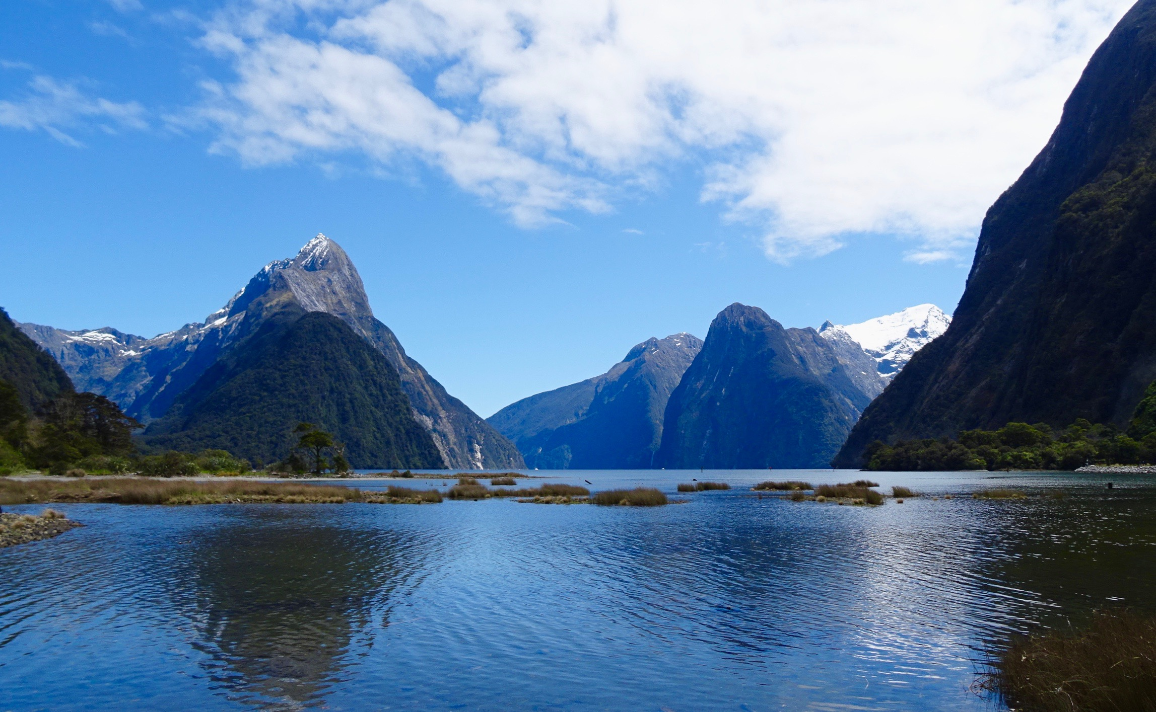 Milford Sound, New Zealand - spinthewindrose.com