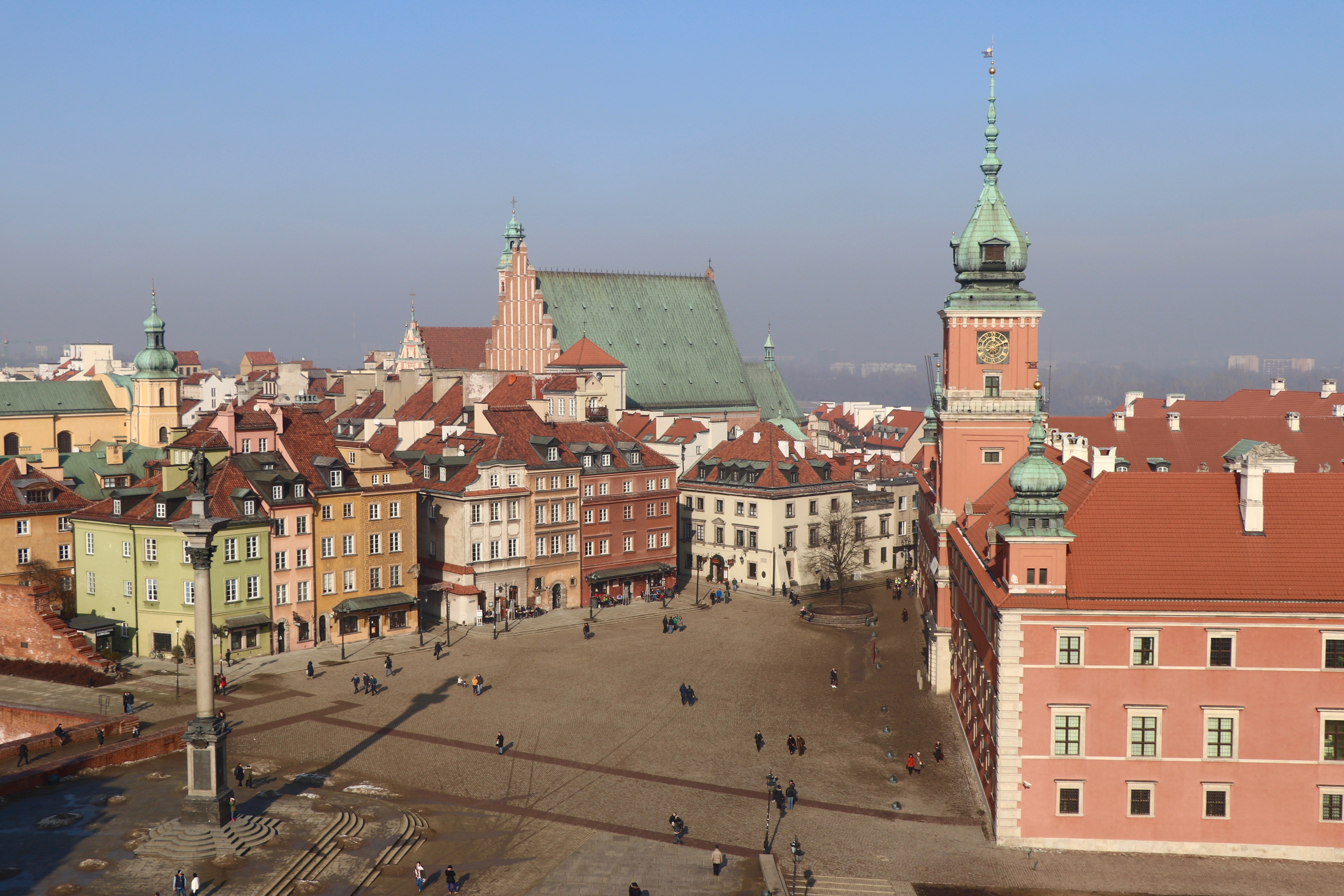 Castle Square, Warsaw, Poland - spinthewindrose.com